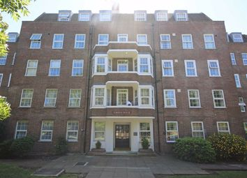 3 bed flat to rent in Western Avenue, London W5