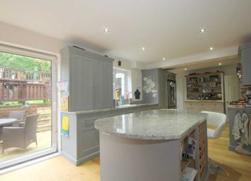 Thumbnail 4 bed detached house for sale in Beaumayes Close, Hemel Hempstead