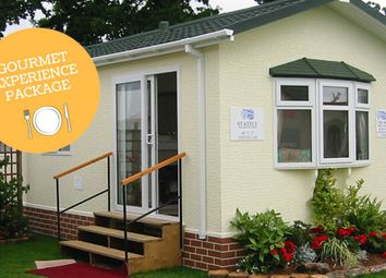 Thumbnail 2 bed mobile/park home for sale in Guildford Road Normandy, Guildford Surrey