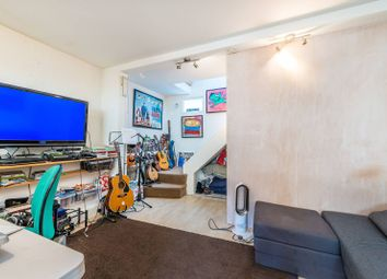 2 bed property for sale in Dunstable Road, Richmond TW9