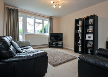 Thumbnail 2 bed flat to rent in Winlaton Road, Bromley