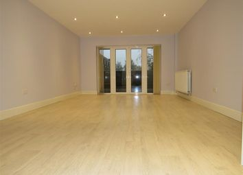 Thumbnail 1 bed flat to rent in Moors Walk, Welwyn Garden City