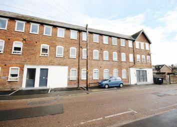 Thumbnail 2 bedroom flat to rent in Sunnyside Road, Chesham