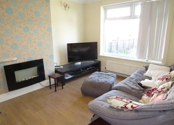 Thumbnail 1 bed flat to rent in Alandale Close, Reading, Berkshire