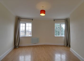 Thumbnail 1 bed flat to rent in High Street, Ilford