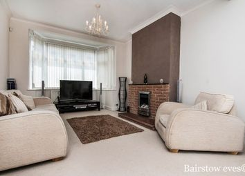 Thumbnail 3 bed property to rent in Primrose Avenue, Romford