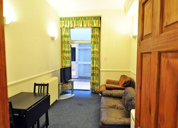 1 bed flat to rent in Queen's Gate, South Kensington, London SW7