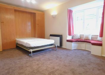 Thumbnail Studio to rent in Helmsdale Close, Hayes
