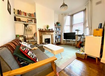 2 bed maisonette for sale in George Lane, London E18