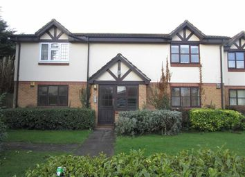 Thumbnail 2 bed flat to rent in Peel Court, Slough, Berkshire