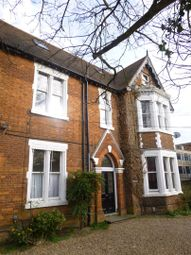 Thumbnail 1 bed flat to rent in Dynevor Road, Bedford