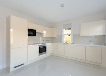 Thumbnail 3 bed flat to rent in Castellain Road, London