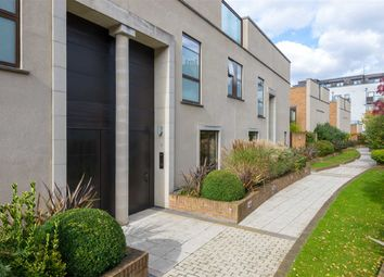 Thumbnail 5 bedroom flat to rent in Collection Place, London