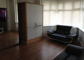 Thumbnail 1 bed flat to rent in Foscote Road, London