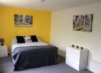 Thumbnail Room to rent in Trotters Lane, Hilltop, West Bromwich