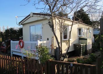 2 bed mobile/park home for sale in Marina Park, Burgh Castle, Great Yarmouth, Norfolk NR31