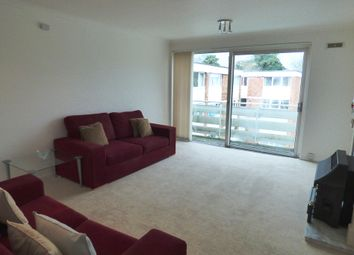 Thumbnail 2 bedroom flat for sale in Petworth Court, Reading