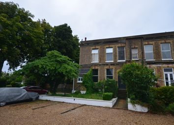 2 bed flat to rent in Alexandra Road, Whitstable CT5