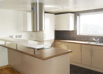 Thumbnail 2 bedroom flat to rent in St James's Lane, Muswell Hill