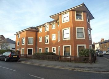 Thumbnail 1 bed flat to rent in Norfolk Road, Maidenhead, Berkshire