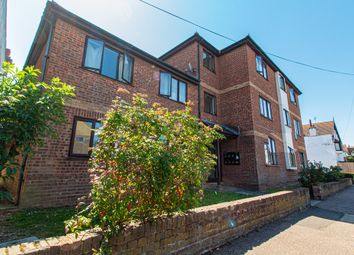 2 bed flat for sale in Queens Avenue, Leigh-On-Sea SS9