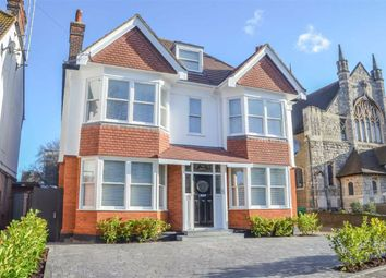 Elm Road, Leigh-On-Sea, Essex SS9. 2 bed flat for sale
