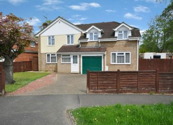 Thumbnail 4 bed detached house for sale in Dartington Avenue, Woodley, Reading