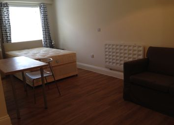 1 bed flat to rent in Holloway Mews, Armstrong Road, Englefield Green TW20