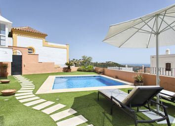 Thumbnail 3 bed town house for sale in La Heredia, Benahavís, Málaga, Andalusia, Spain