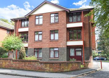 2 bed flat to rent in Beaconsfield Road, St.Albans AL1