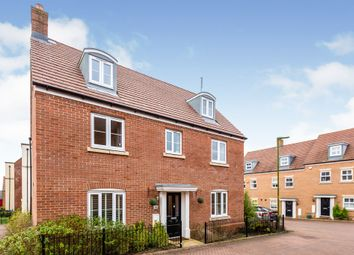 Thumbnail 5 bed detached house for sale in Avocet Road, Hemel Hempstead