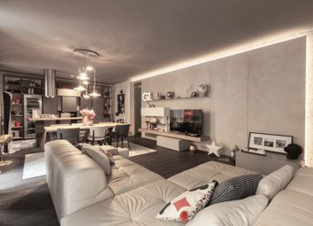 Thumbnail Apartment for sale in Milano, Milan City, Milan, Lombardy, Italy
