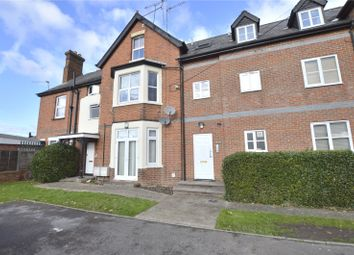 Thumbnail 1 bed flat to rent in Send Road, Caversham, Reading, Berkshire