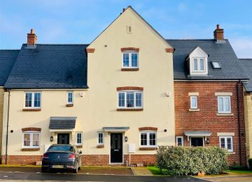 Thumbnail 5 bed town house for sale in Wearn Road, Faringdon