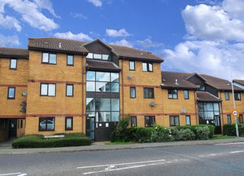 1 bed flat to rent in Cranfield Park Court, Wickford, Essex SS12