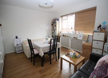 Thumbnail 3 bed flat to rent in Chaucer House, Churchill Gardens, Pimlico