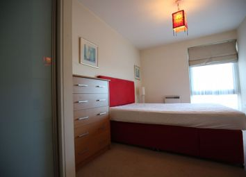 Victoria Road, London W3. 1 bed flat for sale
