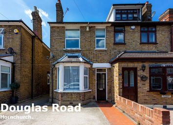 3 bed detached house to rent in Douglas Road, Hornchurch RM11