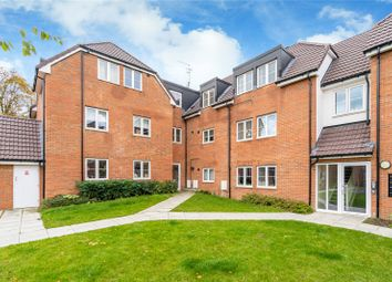 2 bed flat for sale in Applefield, Amersham, Buckinghamshire HP7