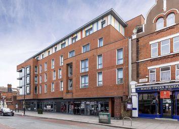 Uxbridge Road, London W3. 2 bed flat