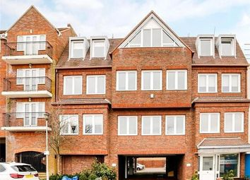 Thumbnail 1 bed flat to rent in Portland House, Station Road, Gerrards Cross, Buckinghamshire