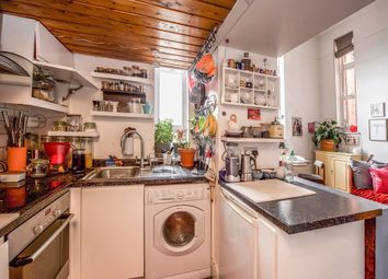 3 bed flat for sale in Clapham Road, London SW9