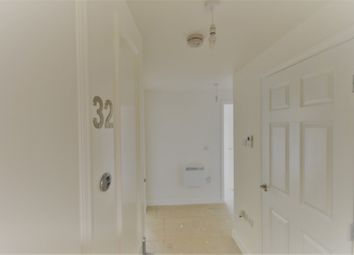 2 bed flat to rent in High Street, Upton, Northampton NN5