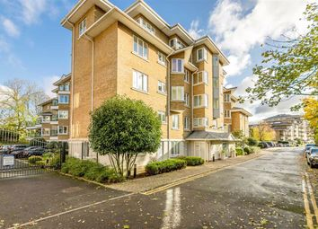 4 bed flat to rent in Strand Drive, Kew, Richmond TW9