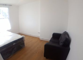 Thumbnail 4 bedroom flat to rent in Shadwell Gardens, London