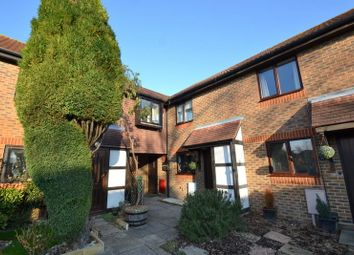 Thumbnail 3 bed property to rent in Middlefield, Horley