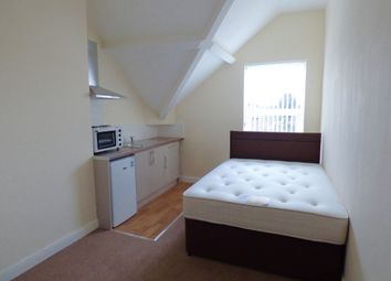 Thumbnail Studio to rent in Flat 11, Avenue Road