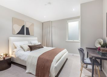 2 bed flat for sale in Meeting House Lane, London SE15