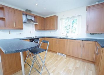 2 bed flat for sale in Lodge Road, Bradford BD10