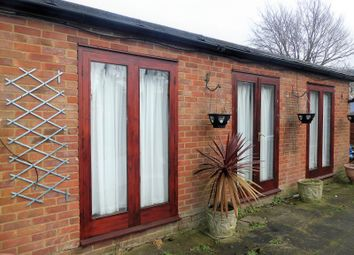 Thumbnail Property to rent in Jeans Way, Dunstable